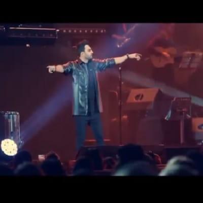 اجرای زنده آهنگ پازل دمتم گرم